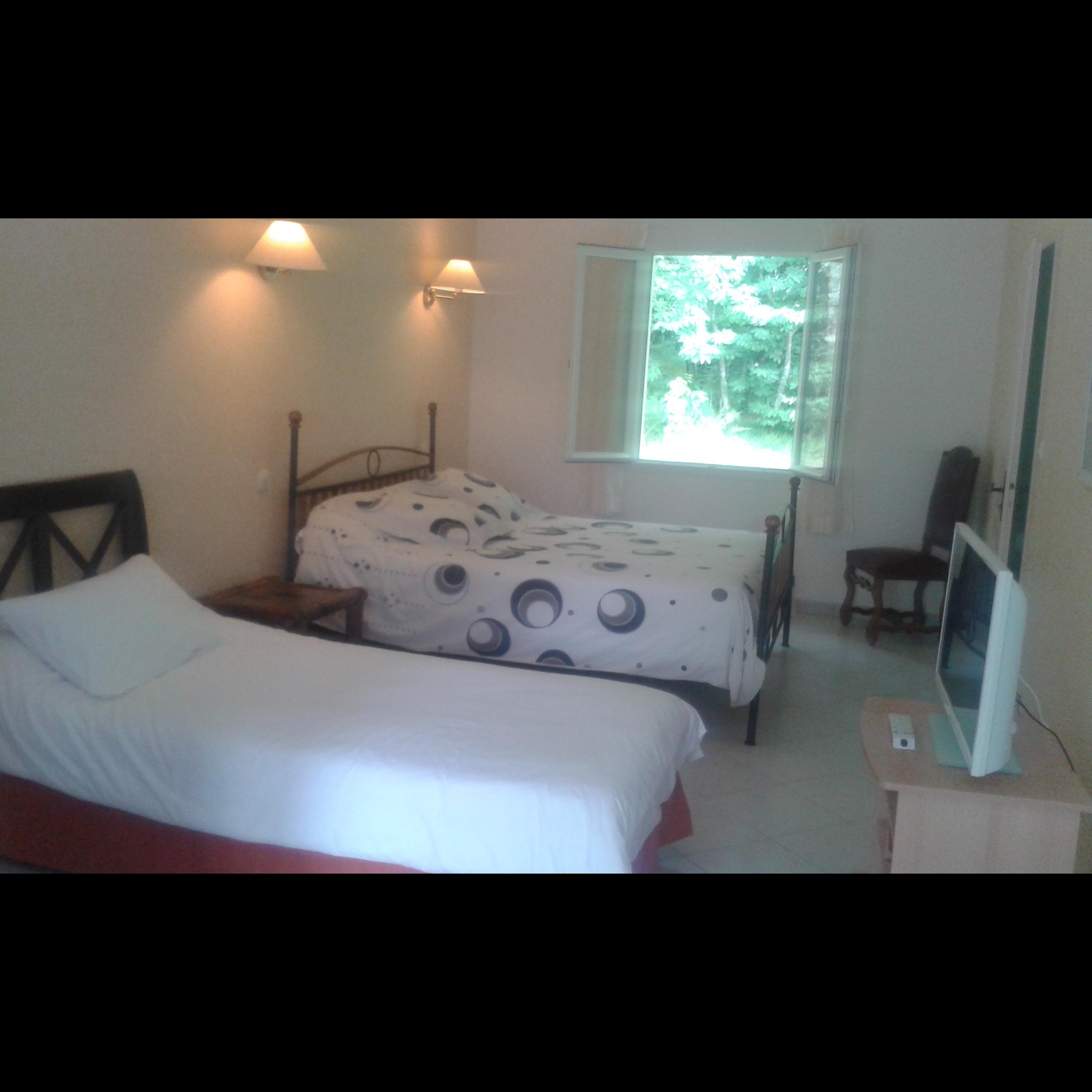 Chambre d 39 h tes spacieuse proximit d 39 angoul me chambres d 39 h te dirac cl vacances - Chambre d hotes angouleme ...