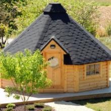 Cabane à proximité immédiate du parc du château d'Ettevaux dans la Nièvre