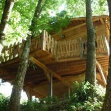 Cabane dans les arbres en pleine nature près de Moissac