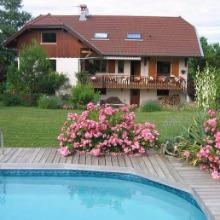 Appartement au rdc d'une maison avec piscine près d'Annecy